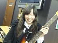 品田祐美さん エレキギター科